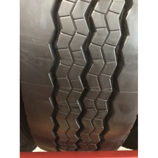 MICHELIN RETREAD 215/75  R 17.5 MR XTE